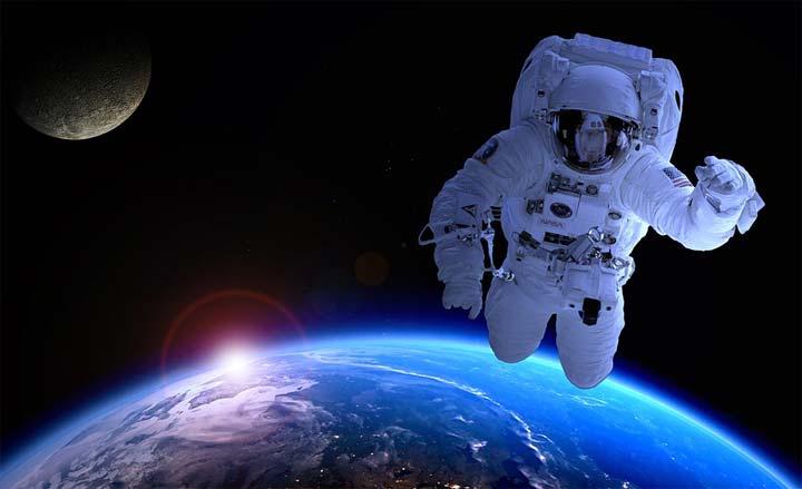 كيف تصبح رائد فضاء؟