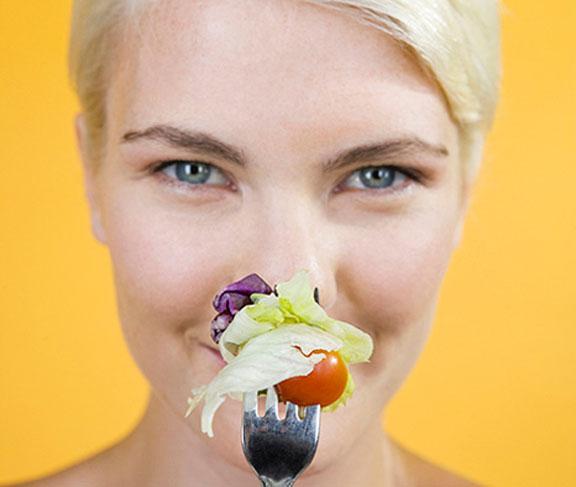 احذري أسوء 10 أطعمة على البشرة