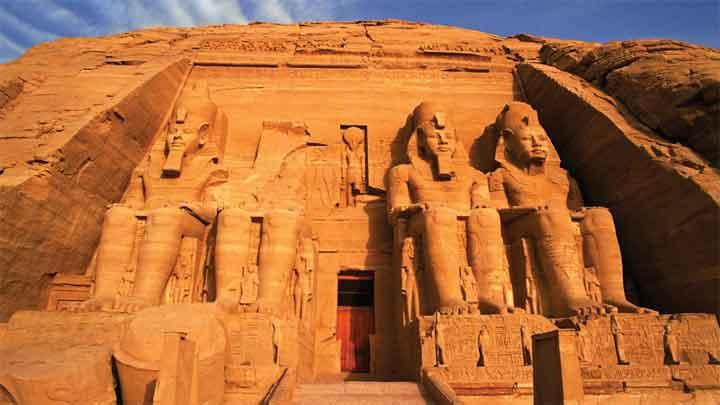 اكتشاف بقايا معبد فرعوني جديد في مصر
