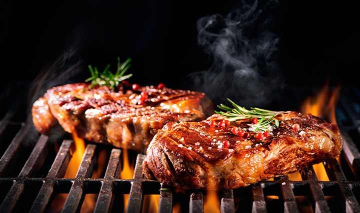 سبب رش السكر على اللحوم قبل طهيها