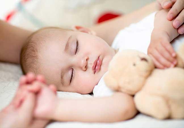 أسباب القيء عند الأطفال الرضع