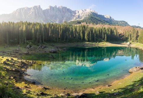 Panorama du lac de Carezza