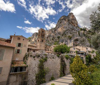 Le magnifique village de Moustiers Sainte-Marie