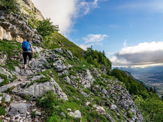 On sort de la forêt, Grenoble se dévoile petit à petit