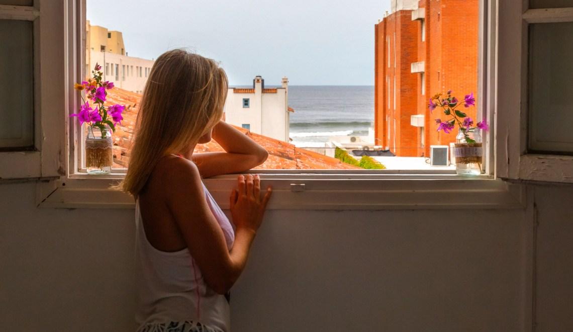 Vista al mar desde la ventana TasD'Viaje