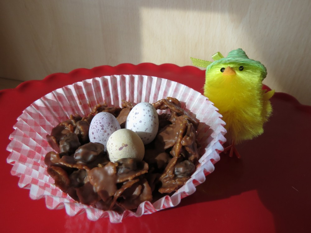 Easter: Chocolate Raisin Cornflake Cakes (1/4)