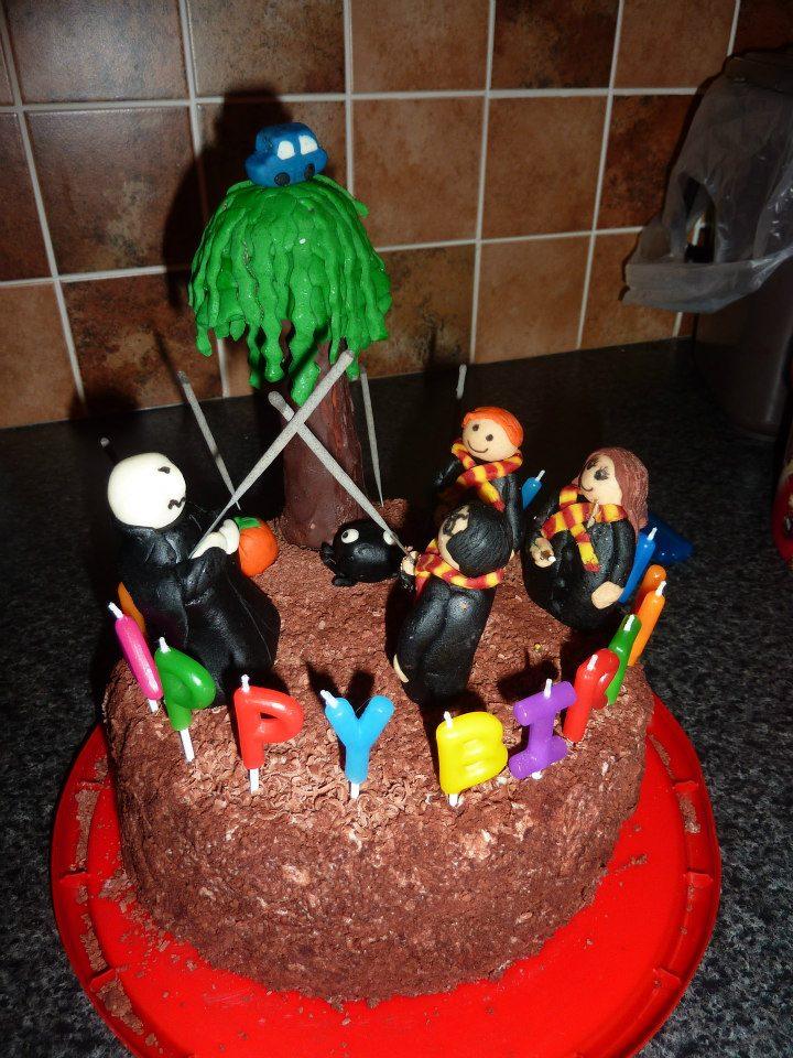 Harry Potter Cake! (3/4)