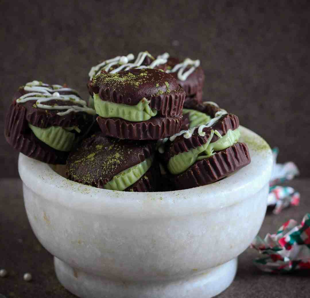 Matcha Peppermint Chocolate Cups dessert, easy 5 ingredient recipe, vegetarian, vegan option, holiday recipe