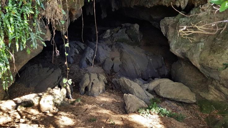 honeycomb-cave-enterance