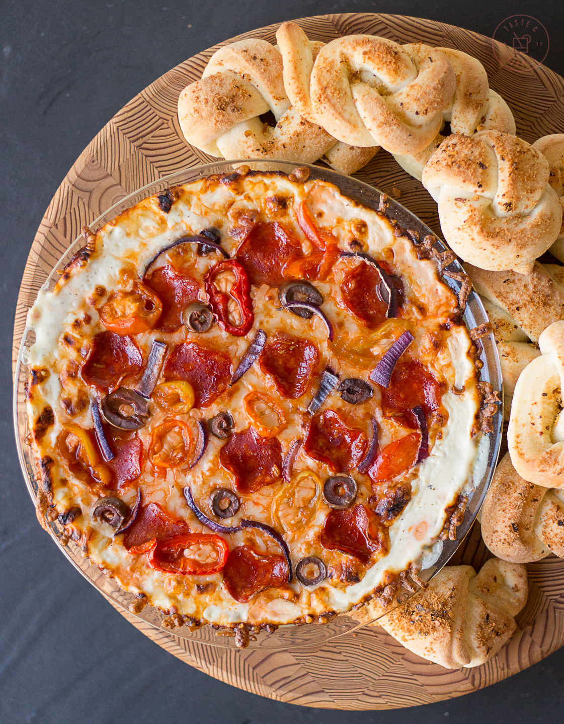 Pizza Dip with Garlic Knots | Taste and Tipple