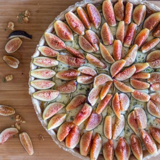 Warm Fig & Brie Pie with Walnut Crust | Taste and Tipple