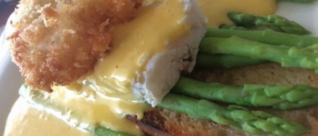 Poached egg with crab, asparagus and Hollandaise sauce - Cuisine @ Taste Bar & Grill