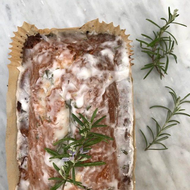Rosemary Cake with Lemon
