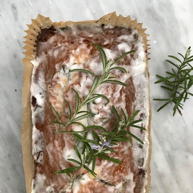 Rosemary Cake with Lemon