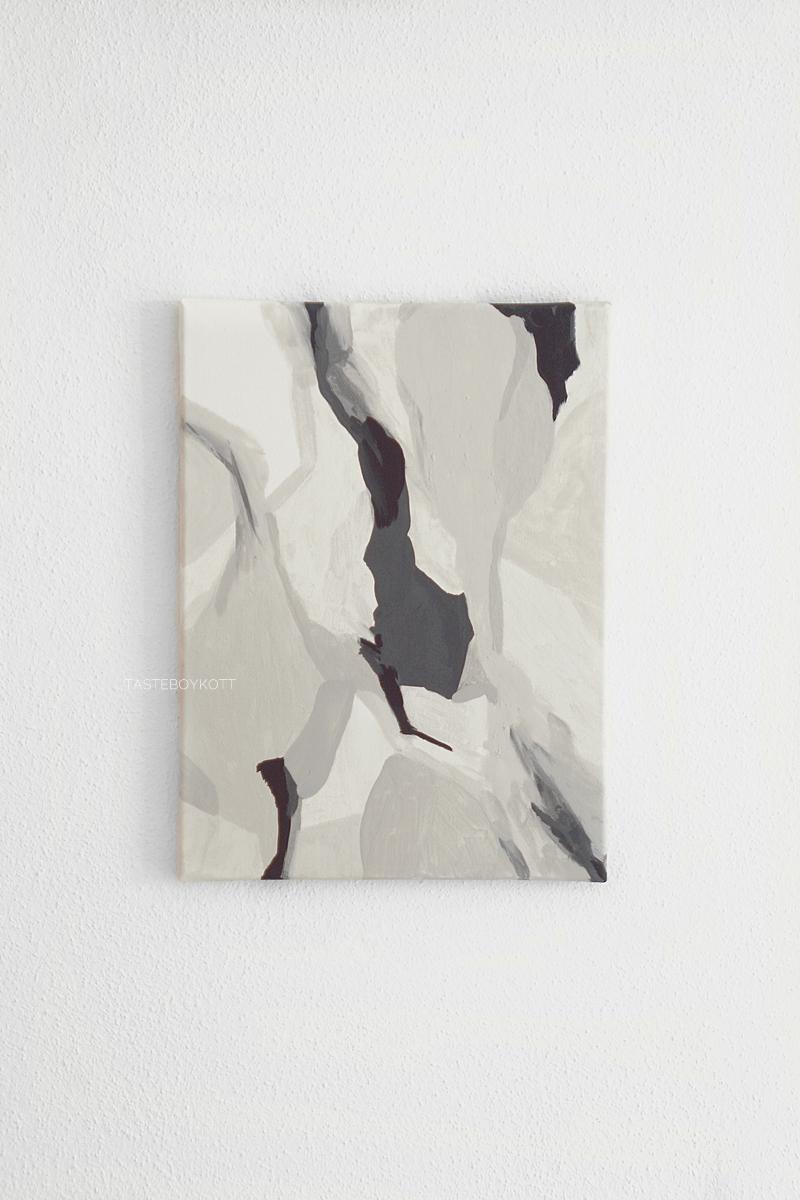 Abstrakte Malerei mit Ton als Farbe in weiß, grau, beige. Kunst Tasteboykott.