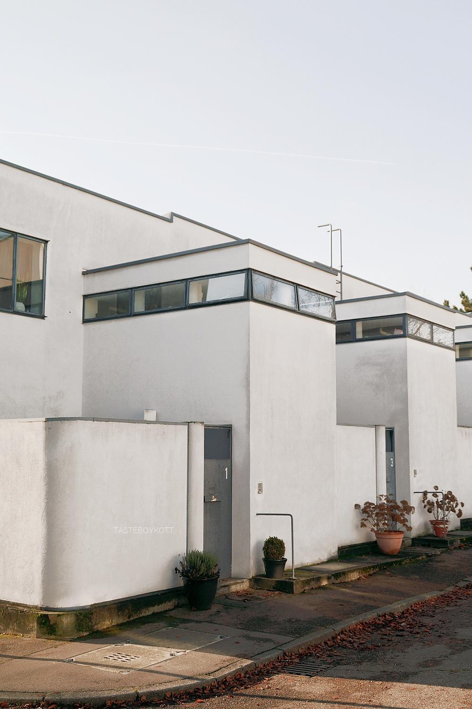 Neues Bauen: Die Weißenhofsiedlung in Stuttgart. Reihenhäuser von Pieter Oud, 1927. Architektur, Kunst und Design - Tasteboykott Blog.