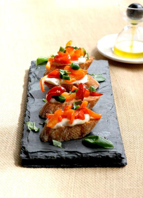 crostini peppers