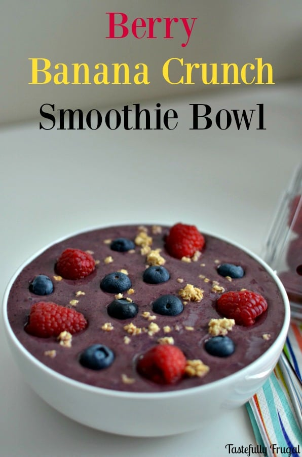 Berry Banana Crunch Smoothie Bowl: Start your day off with a nutritious breakfast that takes less than 3 minutes to make | Tastefully Frugal AD #CarnationSweepstakes #BetterBreakfast #CollectiveBias