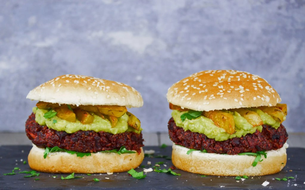 Easy VeGaN Beetroot Burger