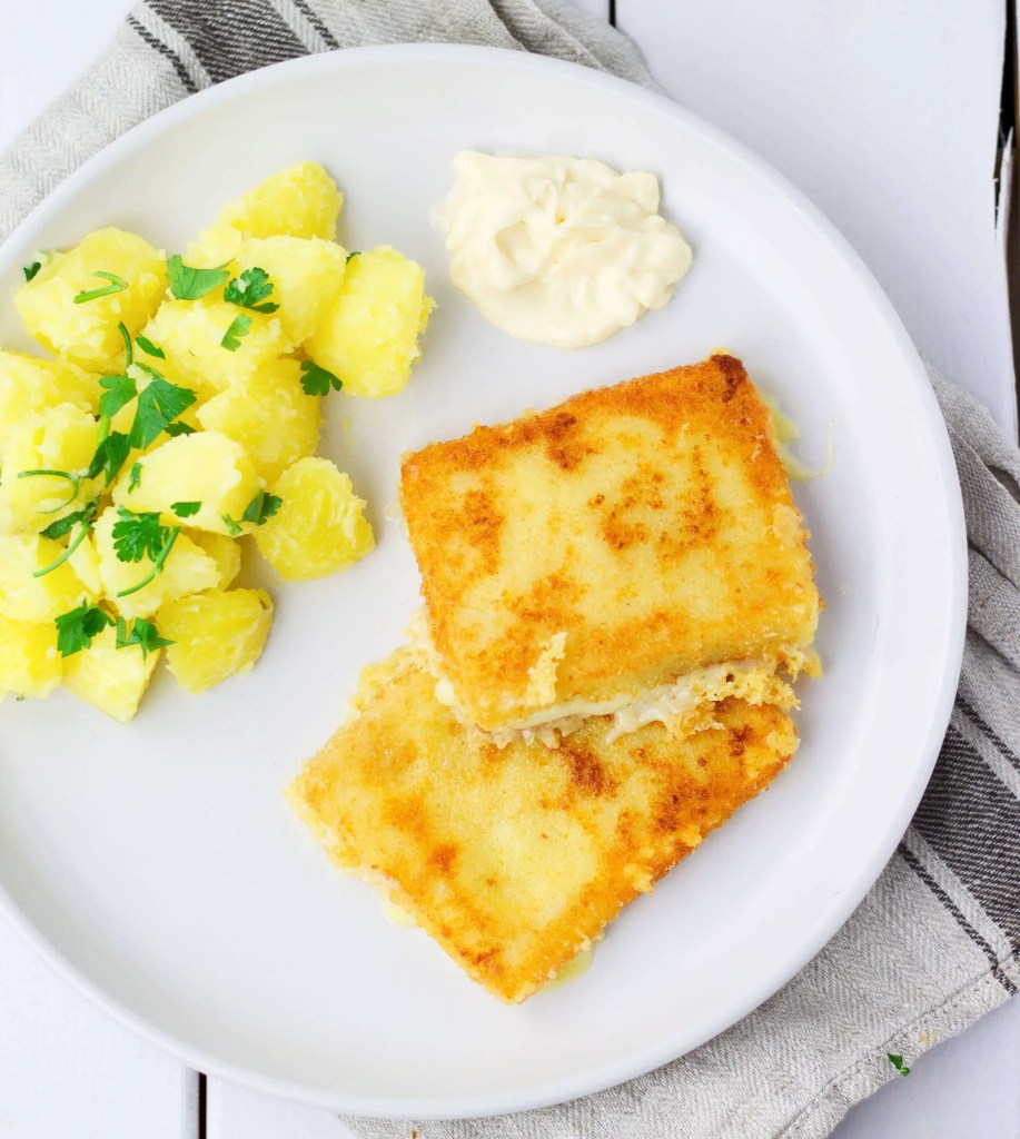 Lunch: Fried Cheese (Slovak classic)