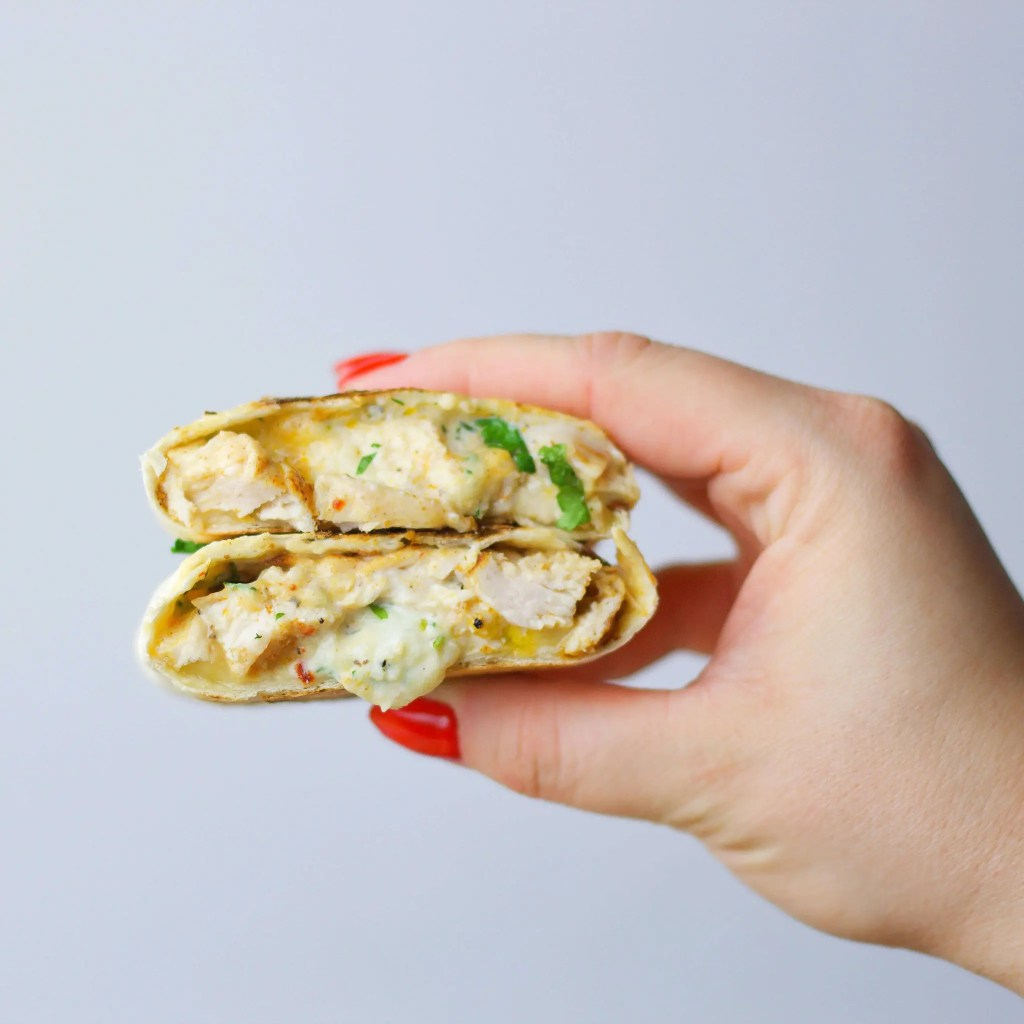 The best wraps with grilled chicken and ranch dressing