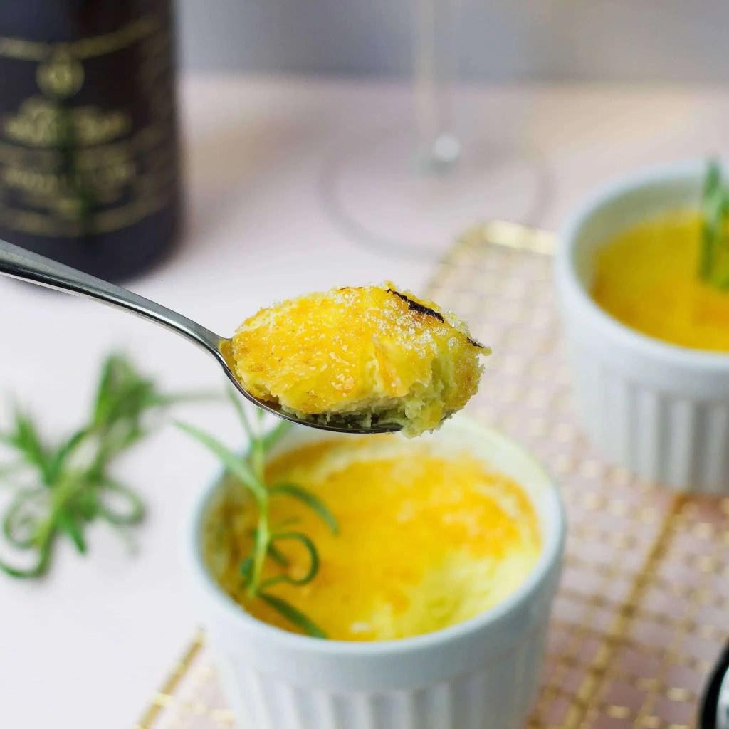 Rosemary crém brulée - recipe for famous dessert