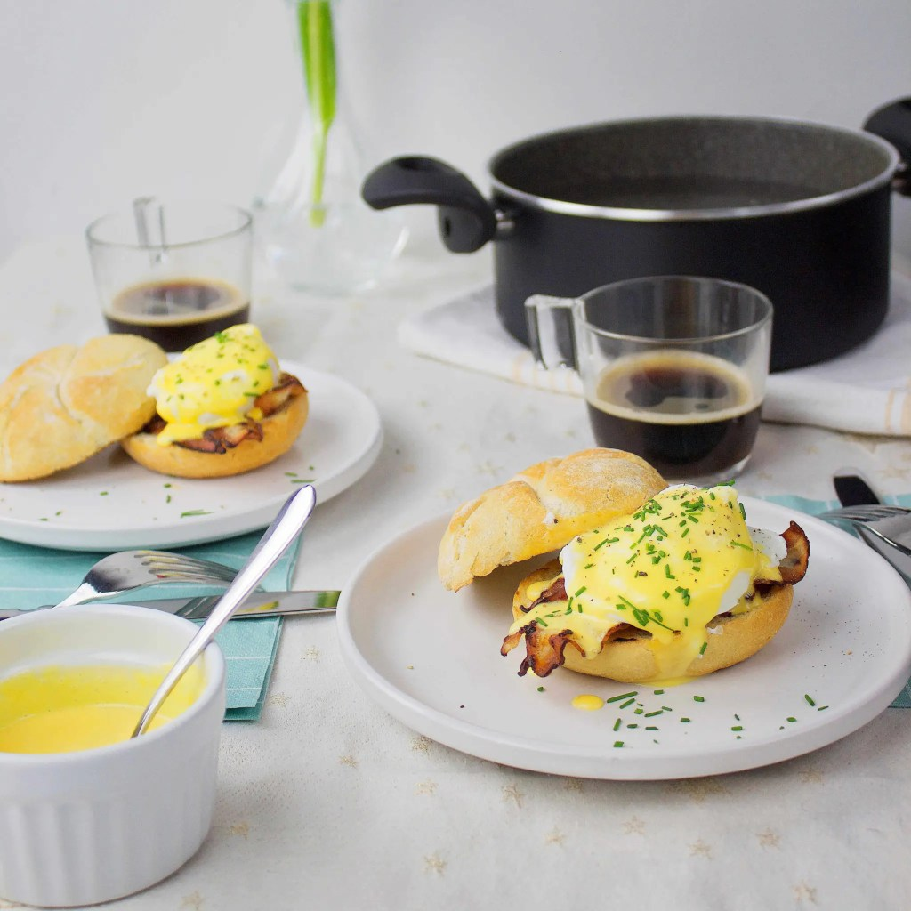 Easy Recipe for Eggs Benedict
