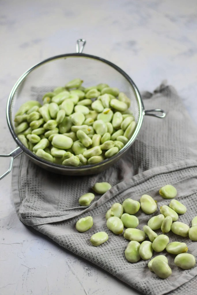 Broad beans with spring onion pesto.