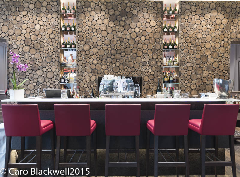 The bar area - Hotel Mont Blanc
