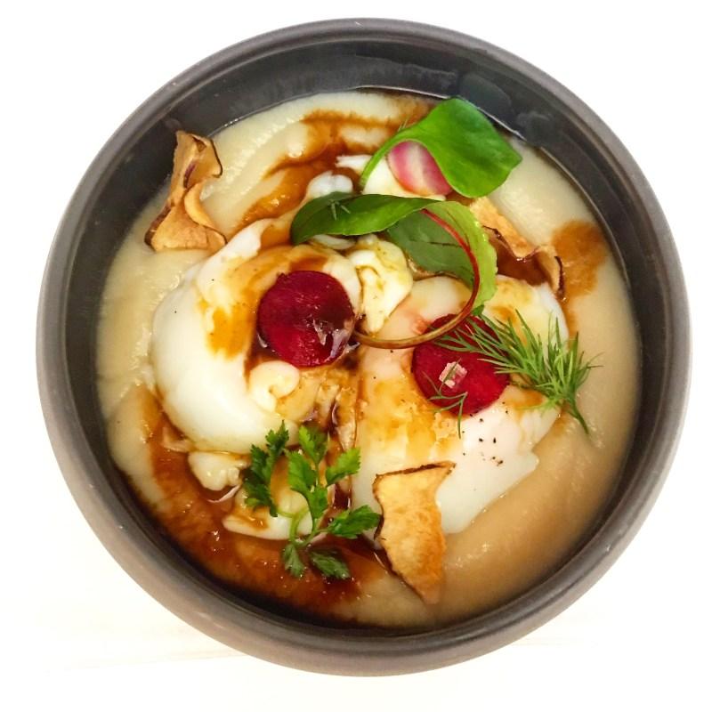 Œuf de poule cuit basse temperature, crémeux de topinambour et jus de Porto