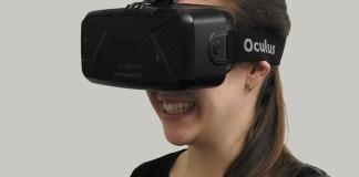 woman oculus rift