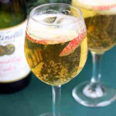Homemade Sparkling Apple Cider (Martinelli's)