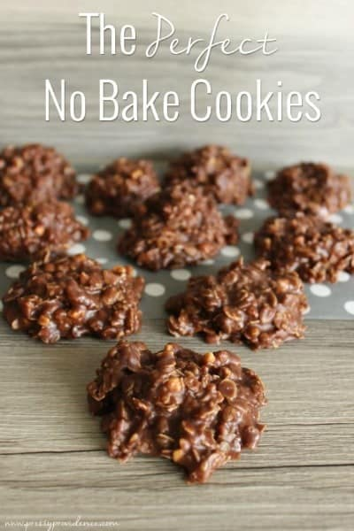 25+ No Bake Desserts. Includes cheesecake, bars, snack mix, and more simple desserts you will love. | Tastes Better From Scratch