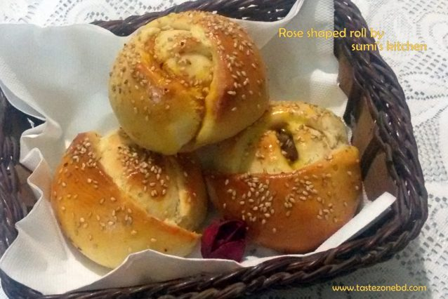 Rose shaped roll
