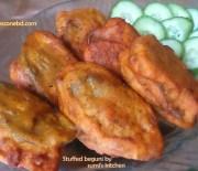 Stuffed beguni (fried stuffed eggplant)