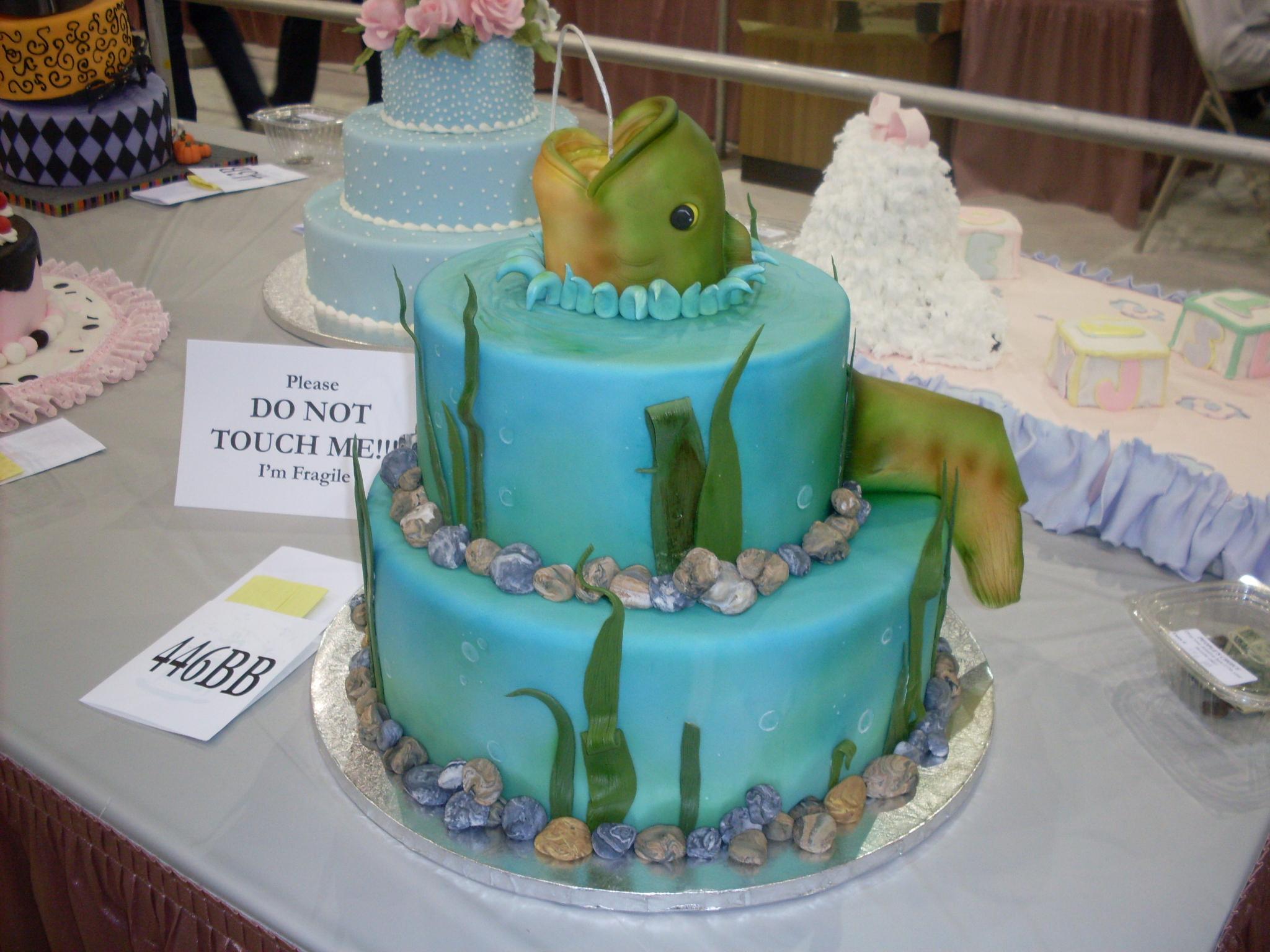 This one strikes me as more groom's cake than wedding cake
