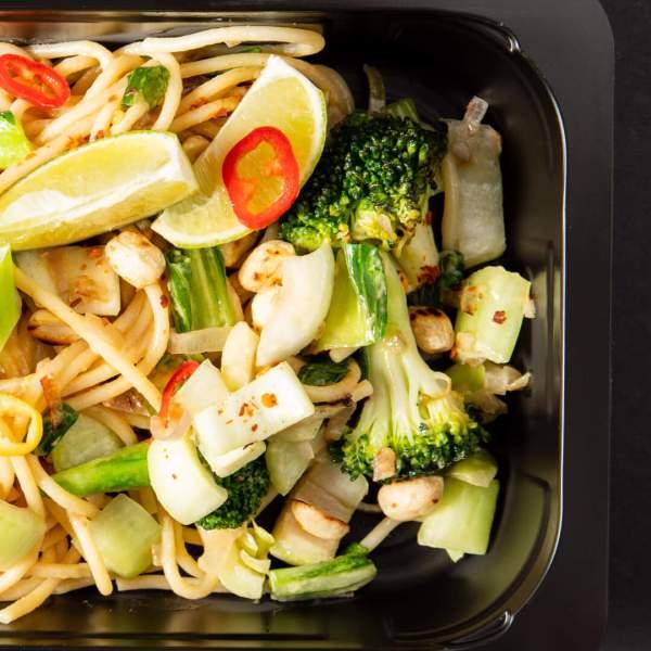 Raffinierte spaghetti pad thai