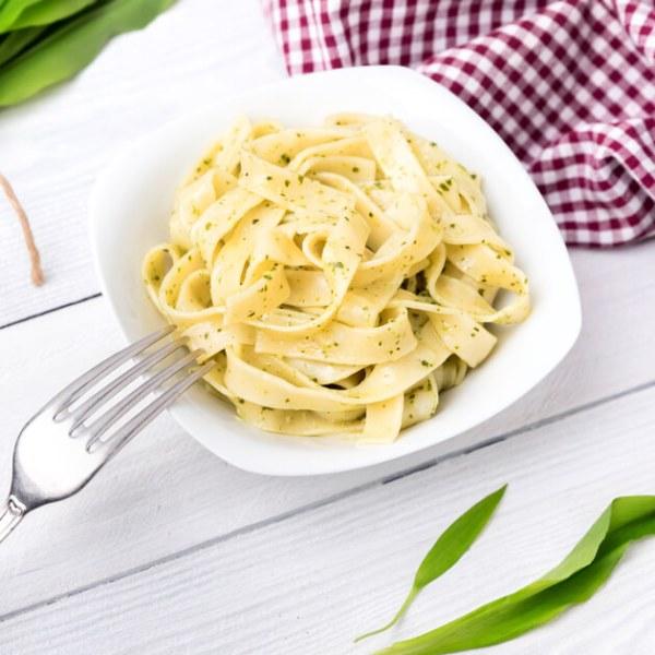 Tagliatelle mit Oliven-Öl