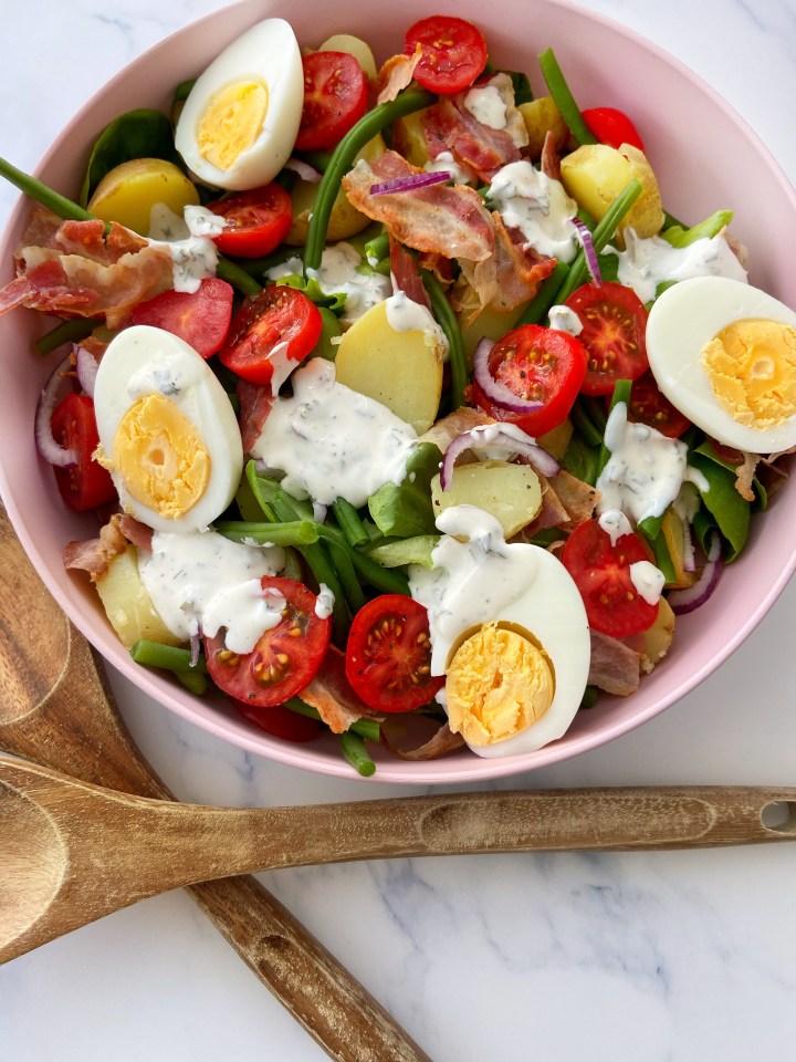 Frisse salade met Aardappel en yoghurtdressing