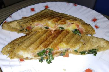 Healthy Tomato Basil Cheese Sandwich