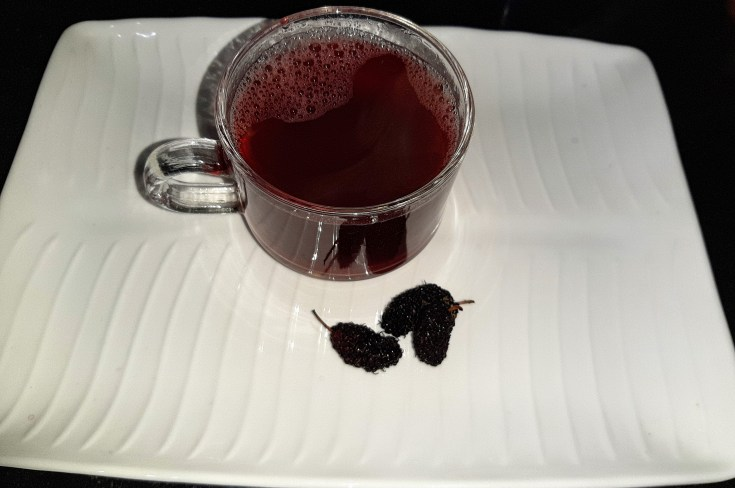 Mulberry green tea