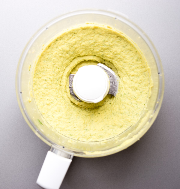 Garlic Cilantro Hummus - flavorful, healthy, and so easy to prepare for a quick appetizer or snack. Yummy and nutritious! | tastythin.com