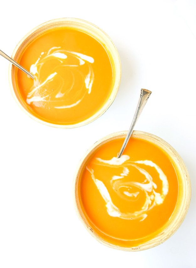 A creamy, flavorful bisque, containing only 6 ingredients. Perfect for Paleo and Whole 30 Diets! | tastythin.com