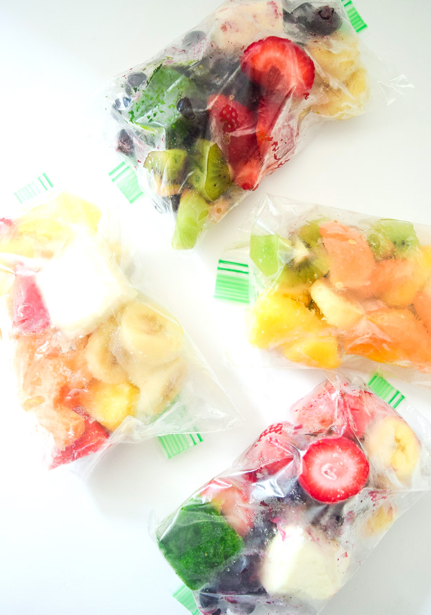Make Ahead Smoothie Packets - add this to your weekly meal prep for quick customizable fruit smoothies that are ready to go on busy mornings! | tastythin.com