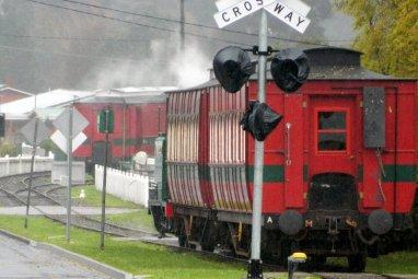 A train departing Queenstown.