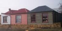 Shop windows in Oatlands