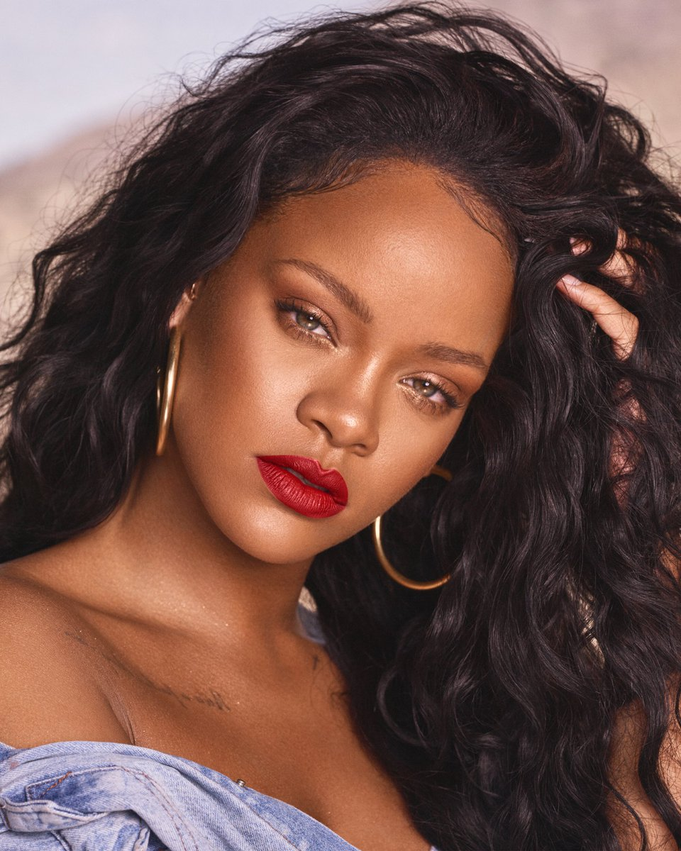Rihanna tells Fans her new Album will drop in 2019