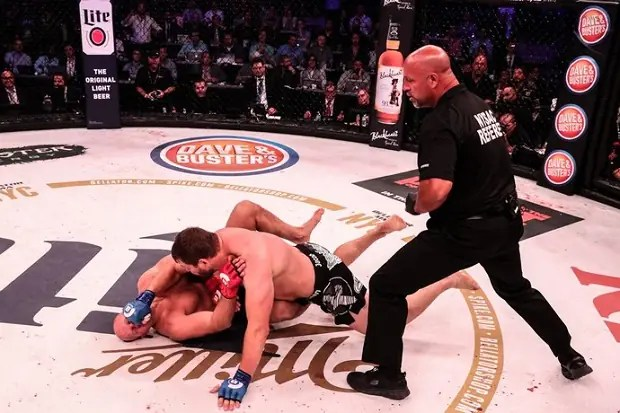 Matt Mitrione foi mais ágil e nocauteou Fedor Emelianenko ainda no primeiro round (Foto: Bellator)