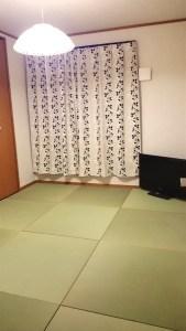 畳を敷いてもらいと嫁さんからの強い要望で畳を設置する事としました