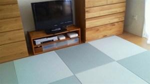 床暖房のフローリングに床暖房対応の置き畳